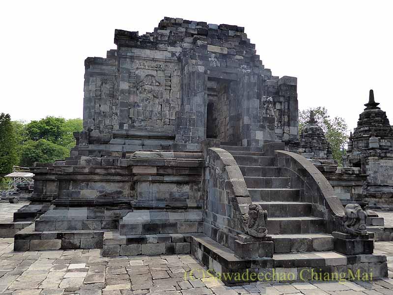 インドネシアのプランバナンのルムブン寺院遺跡の中央寺院