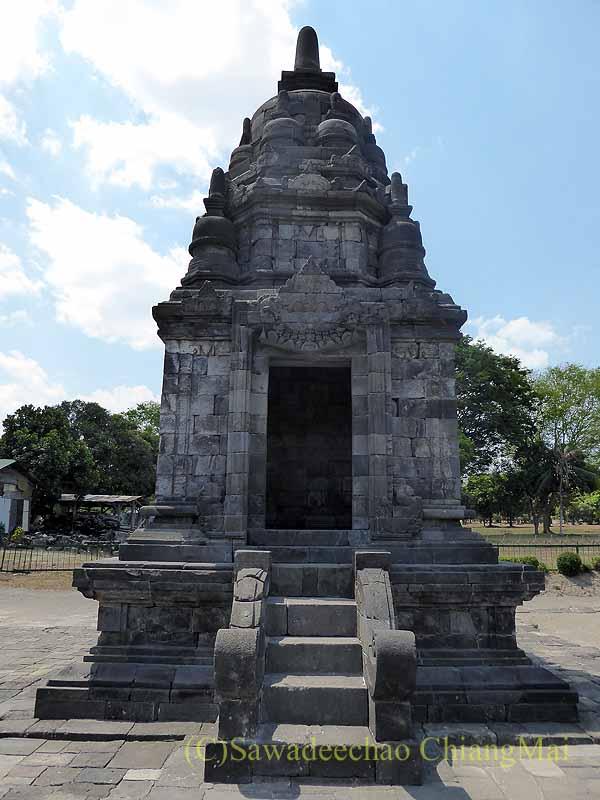 インドネシアのプランバナンのルムブン寺院遺跡の仏塔