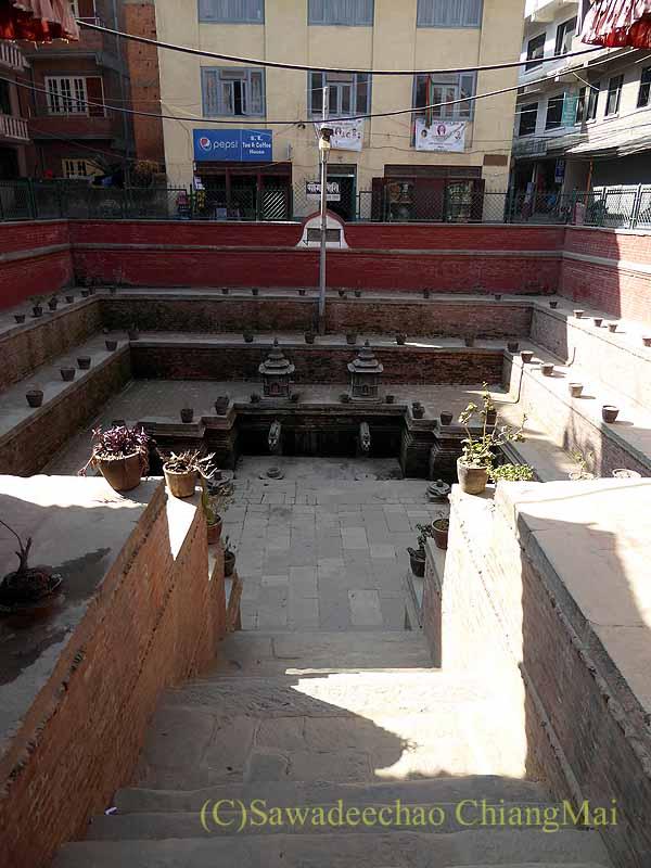 ネパール、パタンの旧市街の井戸