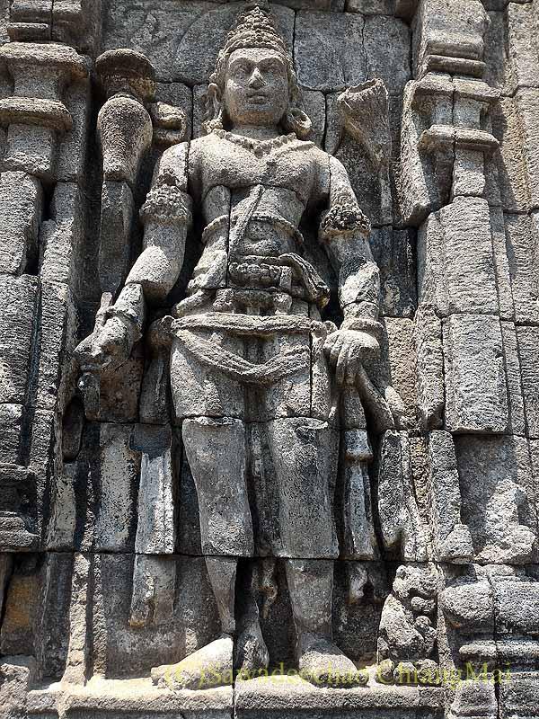 インドネシアのプランバナンのセウ寺院遺跡のヒンドゥー神像