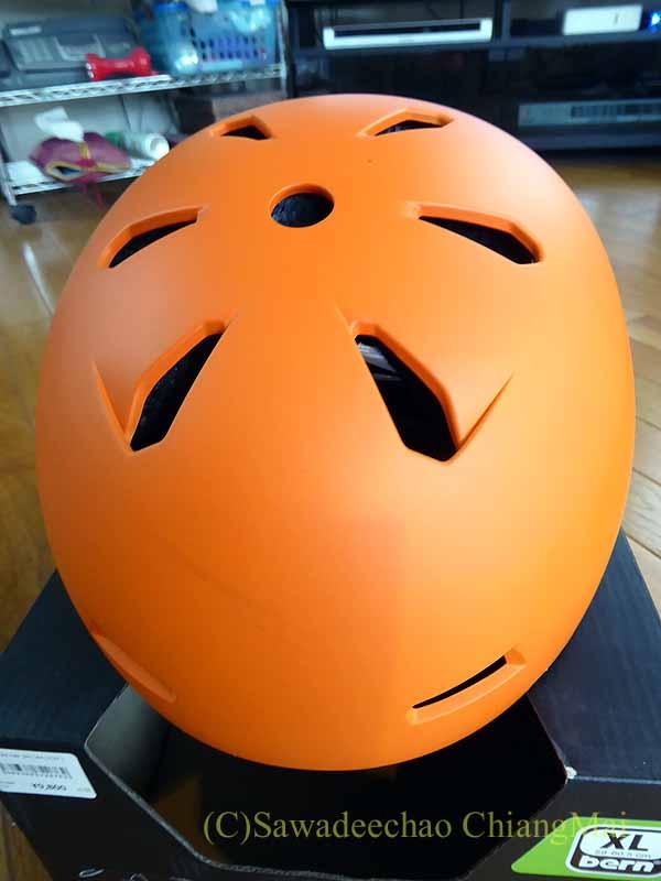 チェンマイ用の自転車ヘルメット、バーンのメーコンの頭頂部