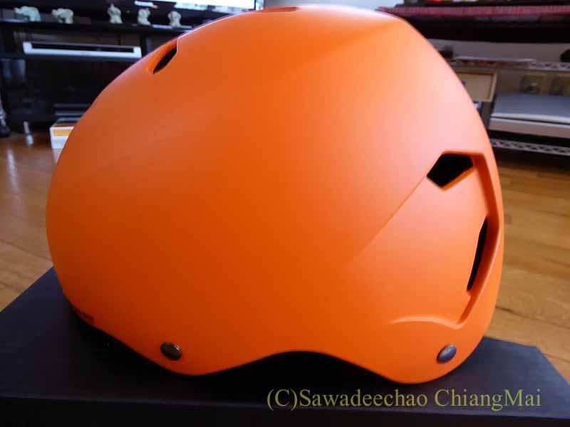 チェンマイ用の自転車ヘルメット、バーンのメーコンの側面