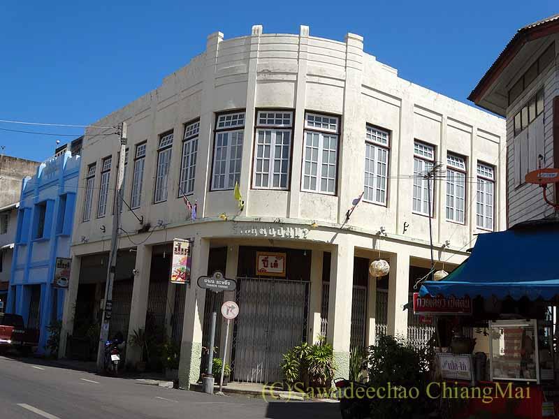 タイのソンクラーの中国人の古い家が並ぶシンゴラ旧市街の古い商店