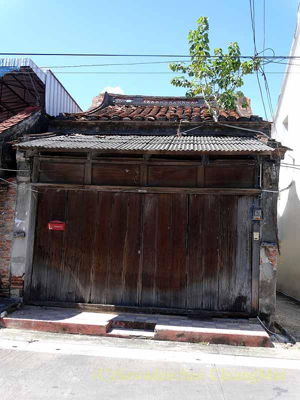 タイのソンクラーの中国人の古い家が並ぶシンゴラ旧市街の平屋住宅