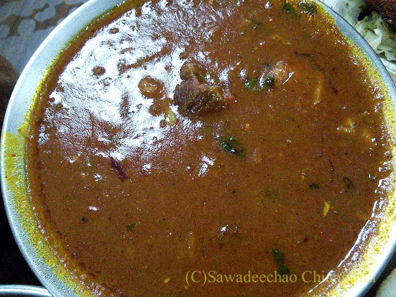 バンコクのインド料理の店ママインディアンレストランのマトンカレー