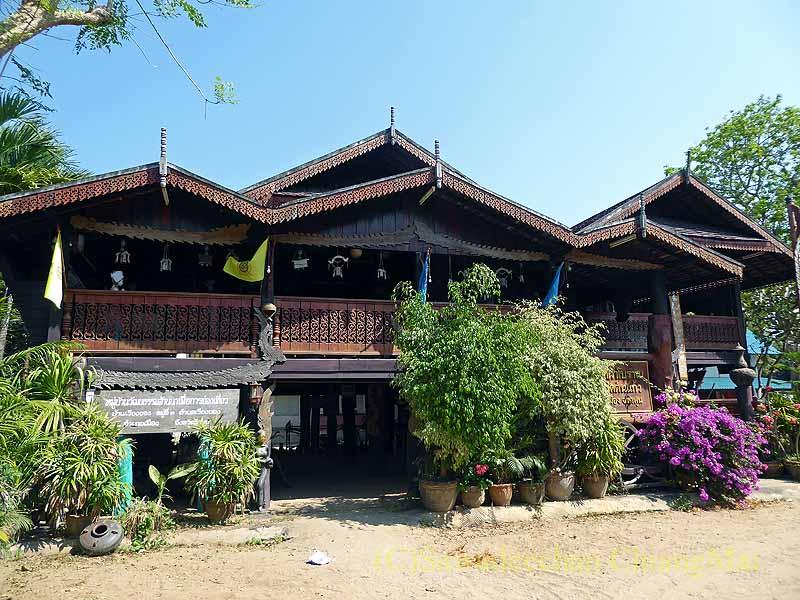 ラムプーンあるタイヨーン族寺院ワットトンケーオの博物館概観