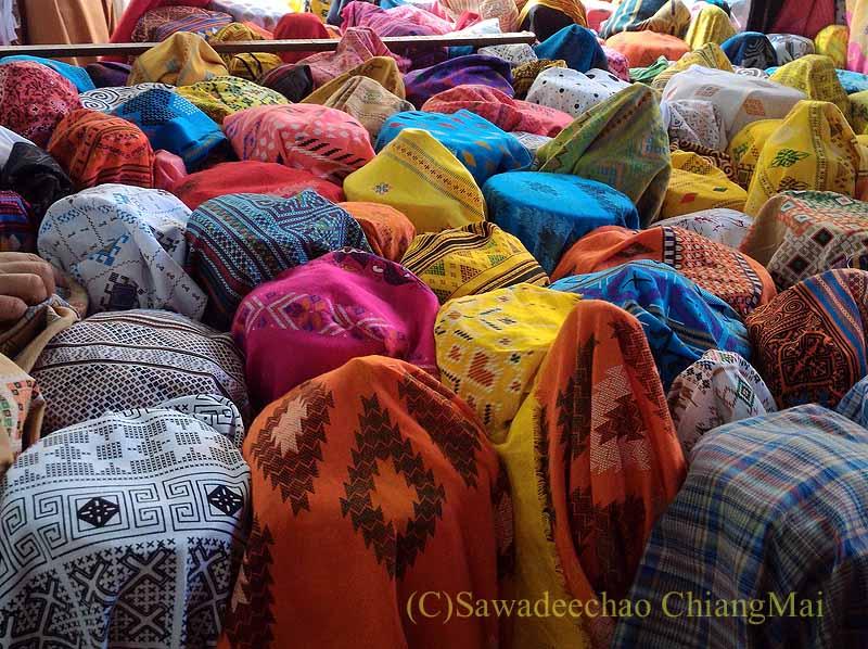 チェンマイ市内の布地屋