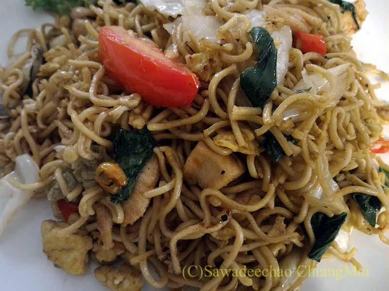 ソロ(スラカルタ)にあるノボテルソロのインドネシア風炒麺