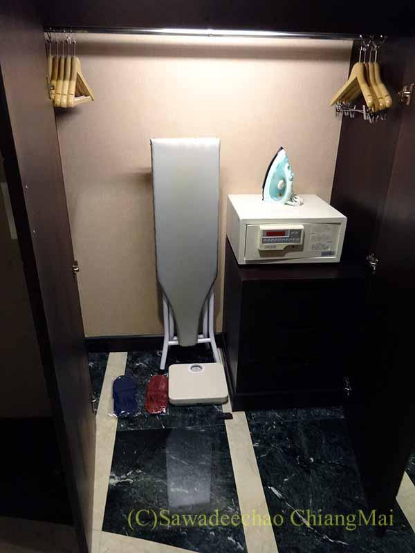 台湾の板橋にあるグランドフォワードホテルのクローゼット