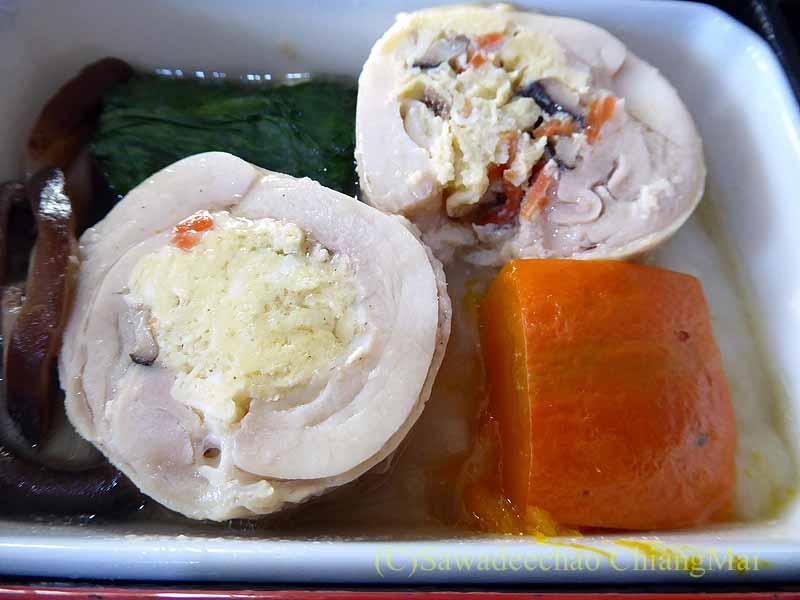 中華航空CI106便ビジネスクラスで出た機内食の台の物