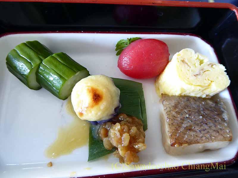 中華航空CI106便ビジネスクラスで出た機内食の前菜取り合わせ