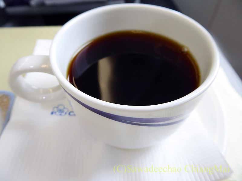 チャイナエアラインCI107便のビジネスクラスで出たコーヒー