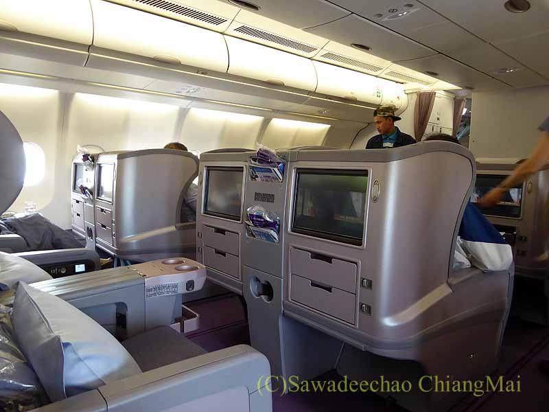チャイナエアライン(中華航空)CI835便のキャビン