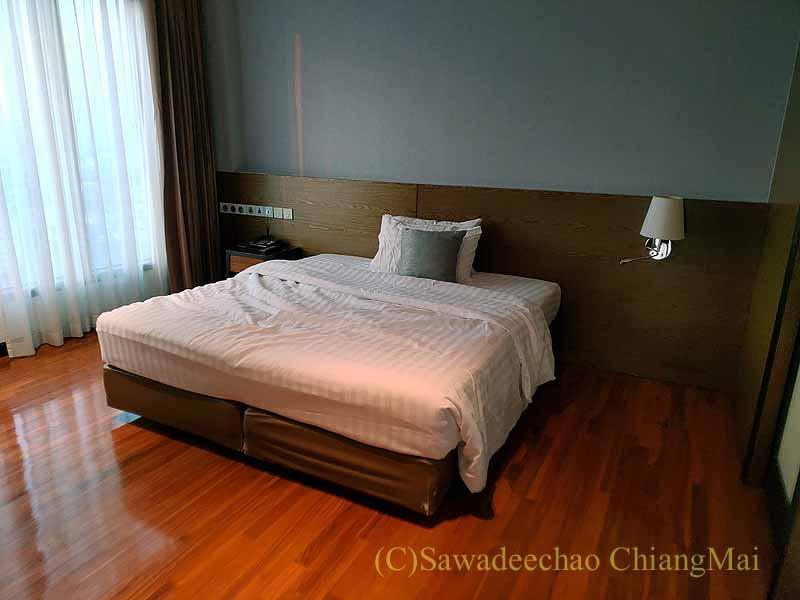 バンコクの隔離措置施設THE VERTICAL SUITEのベッドルーム