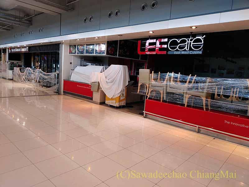 コロナ禍で閉店しているスワンナプーム空港のレストラン街