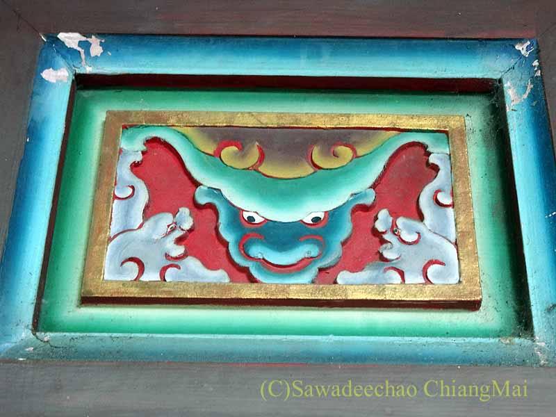 台北郊外にある林本源園邸の木彫