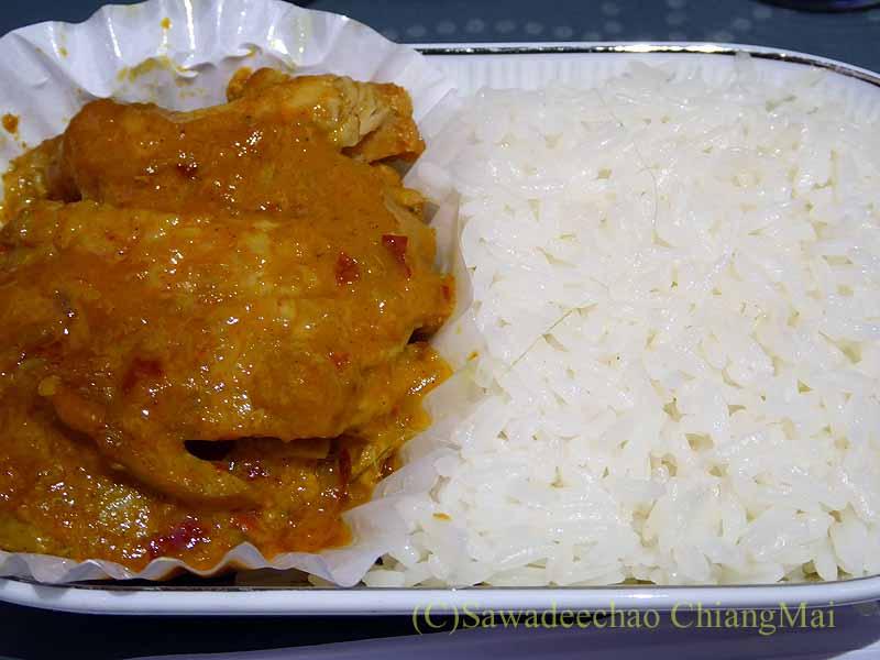 タイ国際航空TG121便ビジネスクラスで出た機内食のメインディッシュ