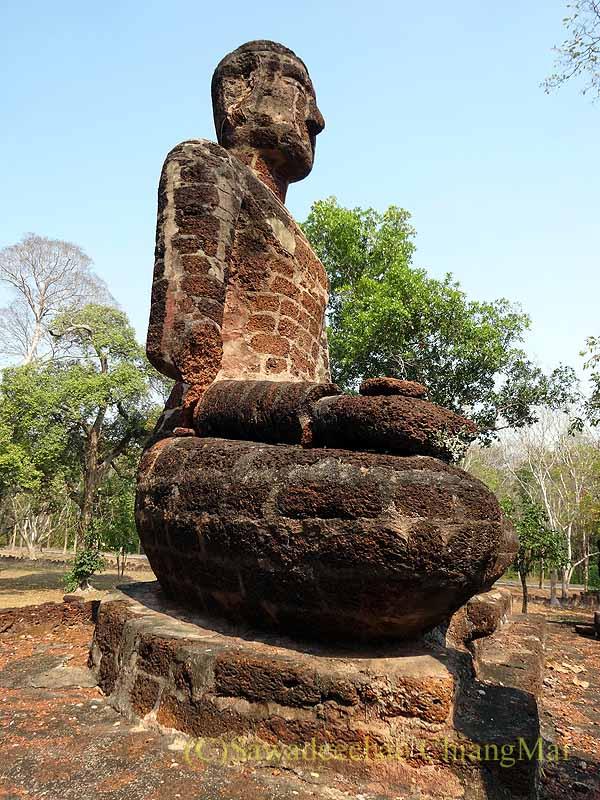 タイのカムペーンペット遺跡群のワットシンの本尊