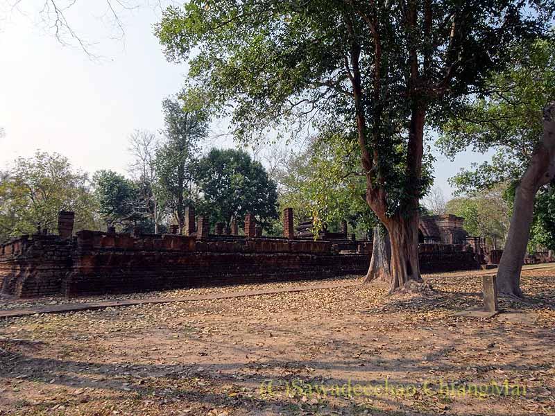 タイのカムペーンペット遺跡群のワットシン概観