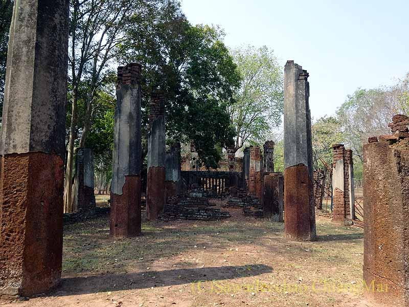 タイのカムペーンペット遺跡群のワットプラノーン概観