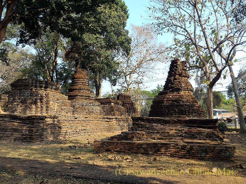 タイのカムペーンペット遺跡群のワットアワートヤイの仏塔