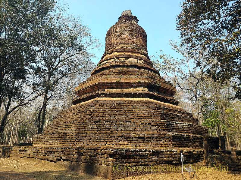 タイのカムペーンペット遺跡群のワットプラノーンの仏塔