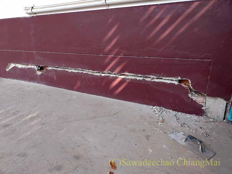 チェンマイの自宅のひび割れた基礎の修復