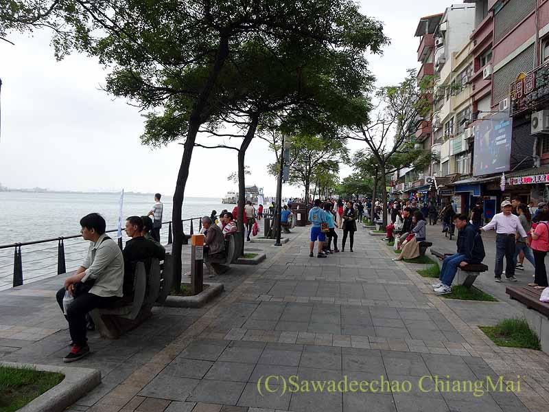 台湾の首都台北近郊にある街、淡水の遊歩道