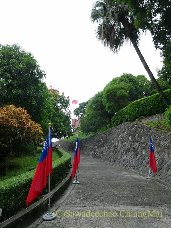 台湾の首都台北近郊にある街、淡水の紅毛城への坂道