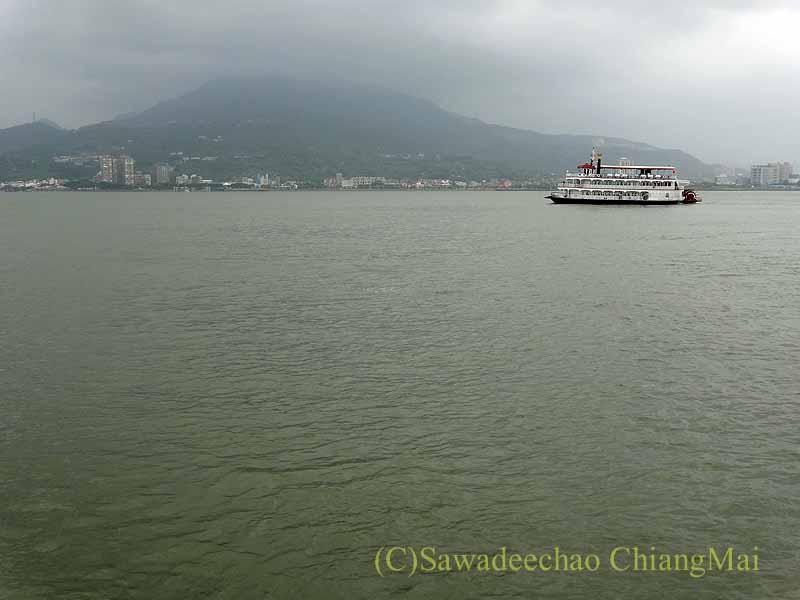 台湾の首都台北近郊にある街、淡水の淡水河