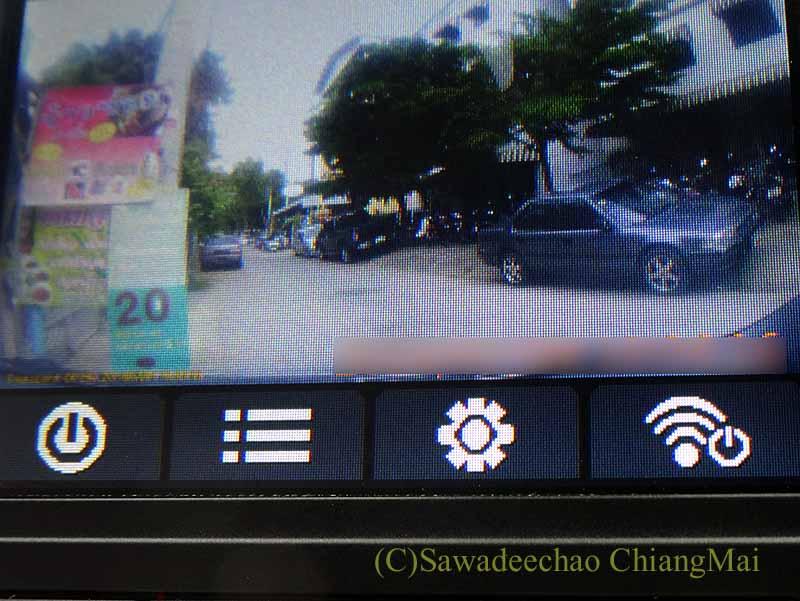 チェンマイの自家用車に取り付けたドライブレコーダー