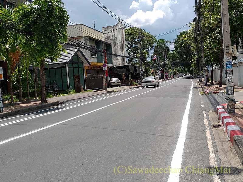 新型コロナ規制強化で街から人も車も消えたチェンマイ