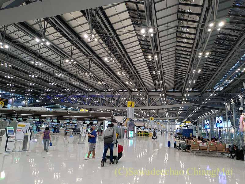 コロナ禍のスワンナプーム空港ターミナル