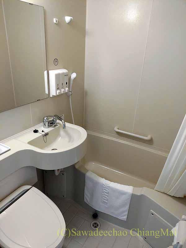 コロナ禍で日本帰国後、隔離される東横イン成田空港のバスルーム