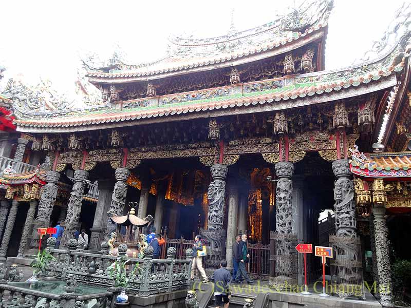 台北郊外にある三峡の清水祖師廟の堂
