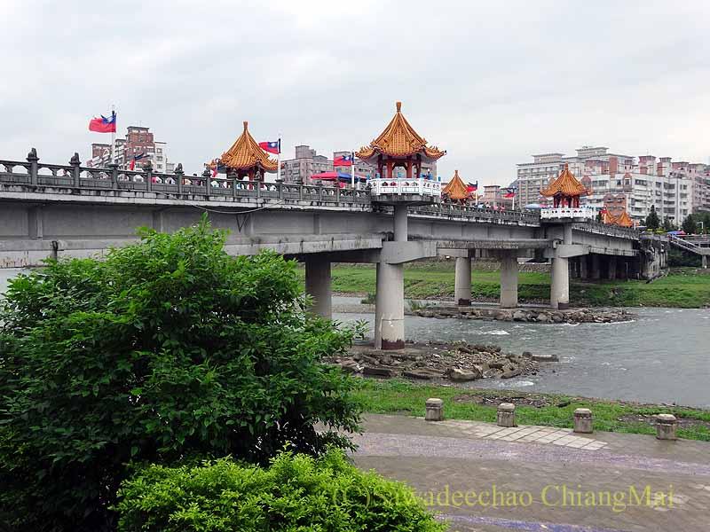 台北郊外にある三峡の清水祖師廟の参道