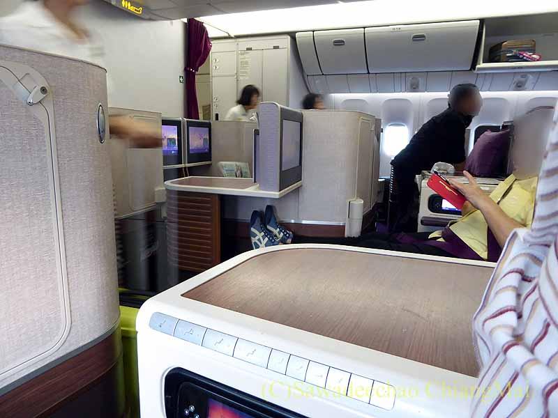タイ国際航空TG116便のビジネスクラスのキャビン