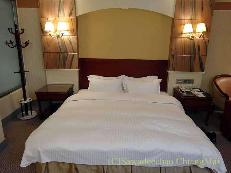 台湾の桃園にあるマジェスティホテルのベッド