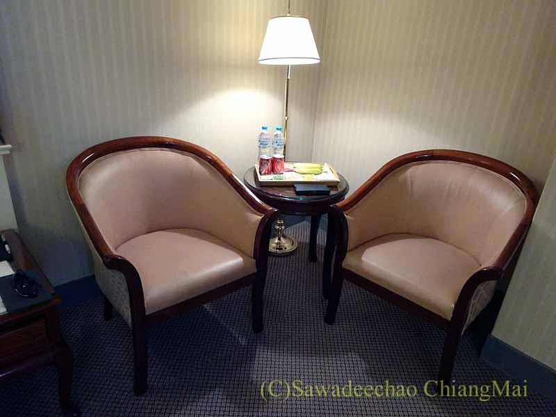 台湾の桃園にあるマジェスティホテルのチェア