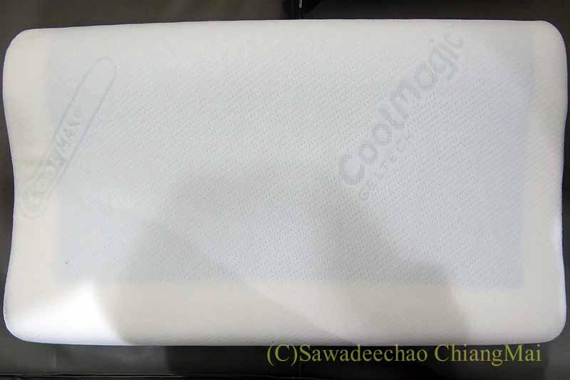 チェンマイで購入した低反発枕の冷感ジェル