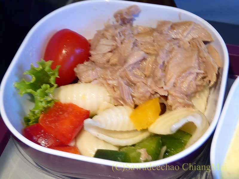 タイ国際航空TG319便で出た機内食のサラダ