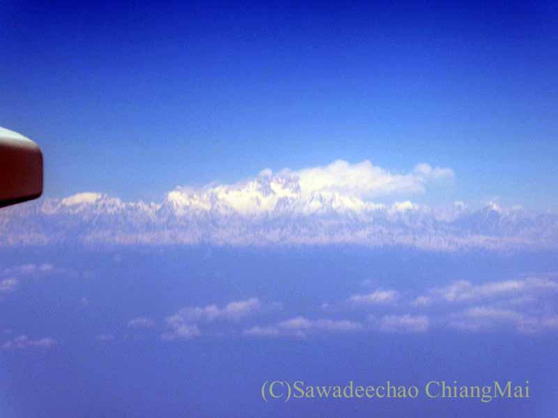 タイ国際航空TG319便カトマンズ行きから見たエベレスト