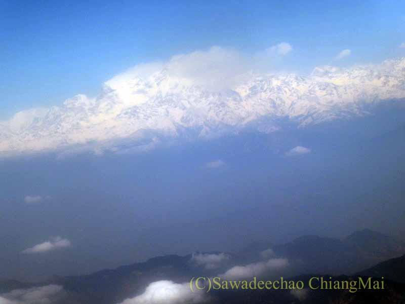 タイ国際航空TG319便カトマンズ行きから見たランタン山系
