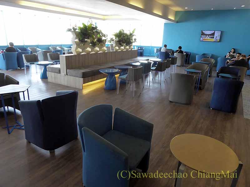 チェンマイ空港のバンコクエアウェイズ国内線ラウンジ概観