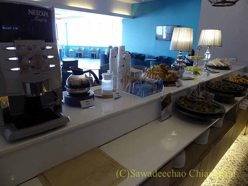 チェンマイ空港のバンコクエアウェイズ国内線ラウンジの飲食物