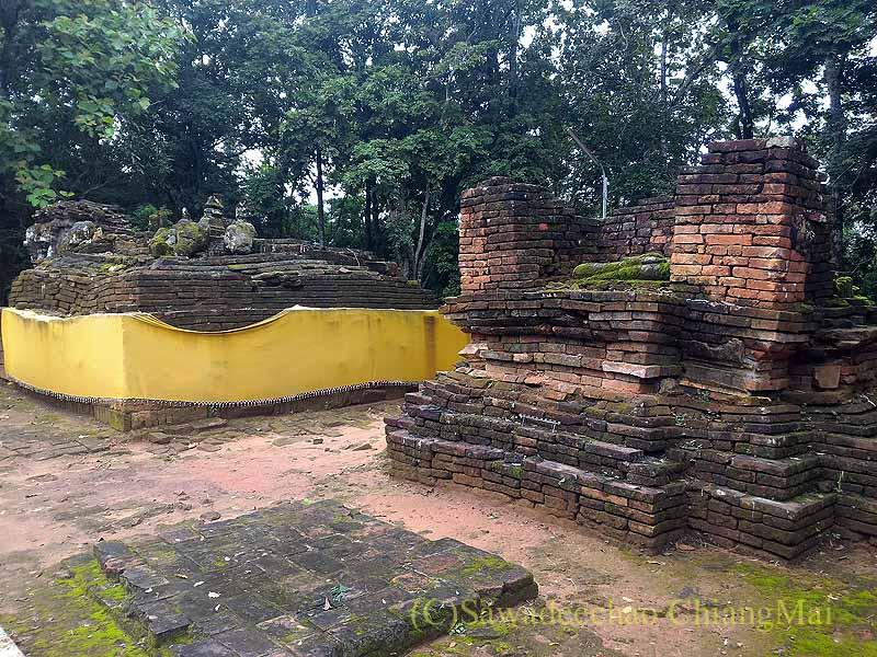 ゴールデントライアングルの寺院ワットプラタートプーカオの遺跡