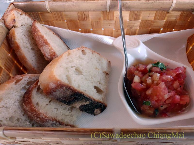 チェンマイにあるレストラン、リトルイタリーガーデンのパン